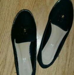 Pantofi sandale pentru apartamente de balet