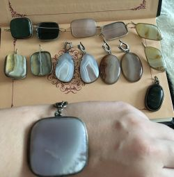 Jewelry with natural stones stones