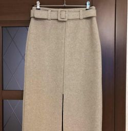New pencil skirt, size 42-44