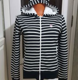 спортивная куртка 44