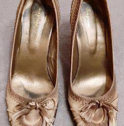 Δερμάτινα παπούτσια Caprice 39ρ.