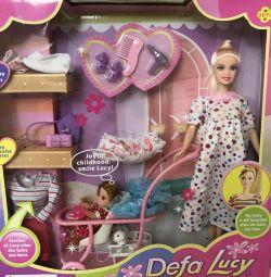 Barbie însărcinată cu accesorii