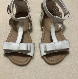 Sandale 28 marime