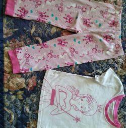 Kızlar için pijamalar