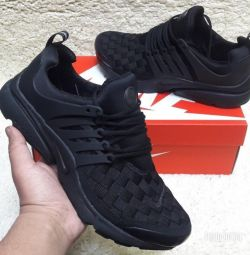 New Nike Sneakers