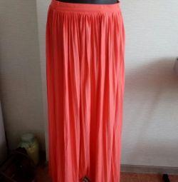 Η φούστα είναι το καλοκαίρι.