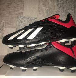 Нові бутси Adidas 42р
