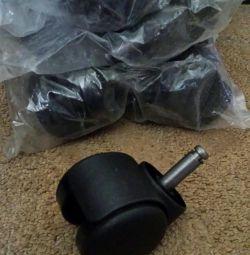 Новые колесики для офисного кресла