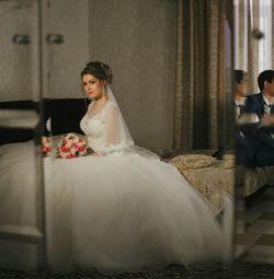 Incredible wedding dress ?