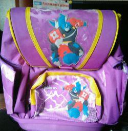 Шкільний рюкзак абсолютно новий.