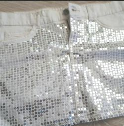 Skirt with sequins p. 42-44