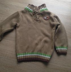 Sweater size 68.