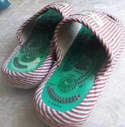 Papuci de masaj medical