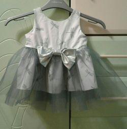 Платье нарядное на 9-12месяцев