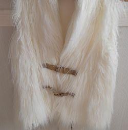 Fur vest ODG in the ideal