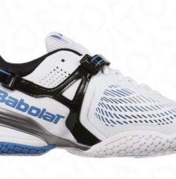 Tennis sneakers, tennis ?