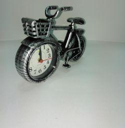 Alarma cu ceas