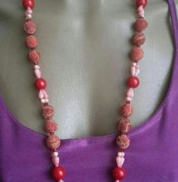 Necklace and earrings from natural Coral.