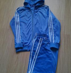 Sport suit. P 38-40