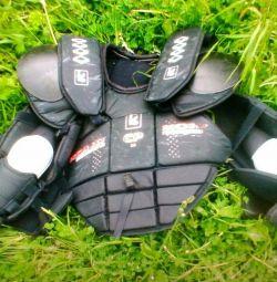 Προστασία στο στήθος από χόκεϋ