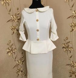A new dress, p.42-44