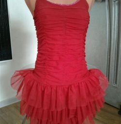 Φόρεμα αγκαλιά με ανοικτή πλάτη