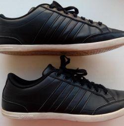 Кроссовки оригинал Adidas, р.41-42, немного б/у
