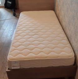 Μονό κρεβάτι 200/90 με στρώμα