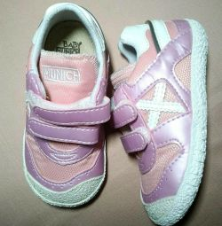 Sneakers Munich baby NEW, р, 22
