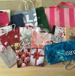 Πακέτα δώρων και μάρκα