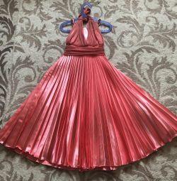 Πολύ όμορφο αμερικανικό φόρεμα