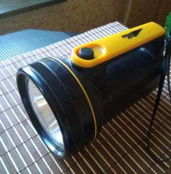 Lanternă pe baterii