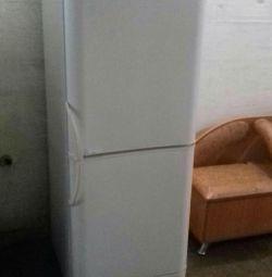 Selling refrigerator Indesit