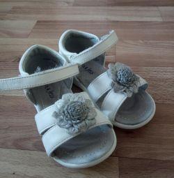 Sandale 23r.