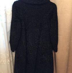 Μαύρο παλτό γούνας