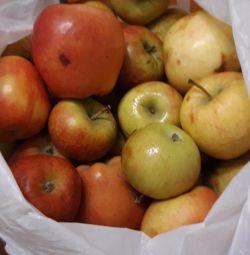 Μήλα 4 κιλά.