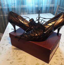 Туфлі нові 39 р.