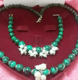 Necklace and bracelet made of natural Malachite and Pearls
