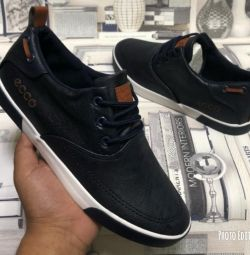 New men's sneakers ecco.