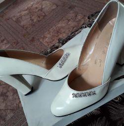 pantofi noi 36-37