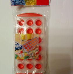 Silicone ice cube maker
