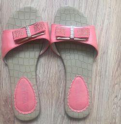 Pantofi noi 35-36