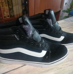 Sneakers new !!!