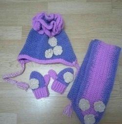 Kızlar için şapka ve atkı