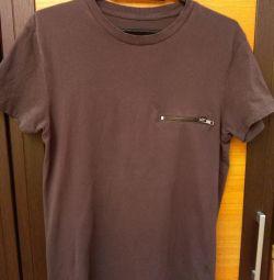 Man's T-shirt.