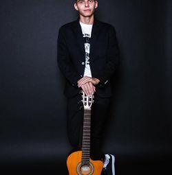 Gitar öğretmeni