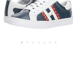 Νέα αθλητικά παπούτσια Tommy Hilfiger