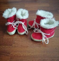 Продаю нові дитячі черевички з текстилю