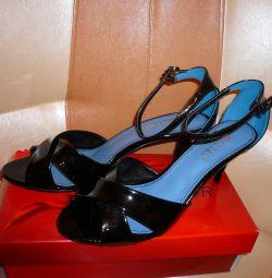 Heel sandals new p.40