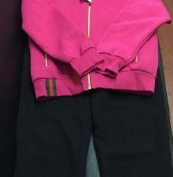 Tricouri calde Gucci, Louis Vuitton